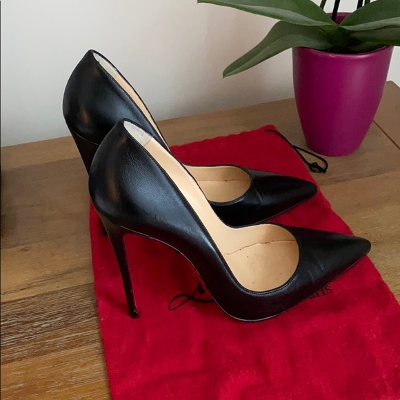 Louboutin 'So Kate' Pumps in Black - size 39.5